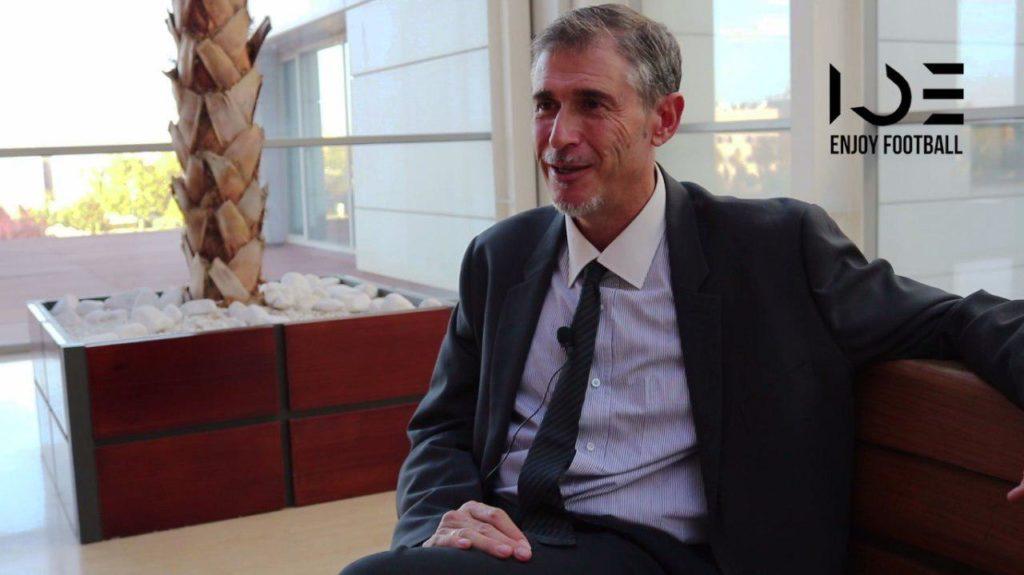 Miguel Ángel Serrano Niño siendo entrevistado por IDE